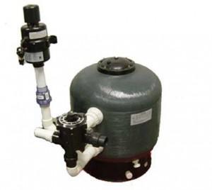 Een bead filter zet op een klein ruimte veel ammonium en nitriet om in onschadelijke stoffen.